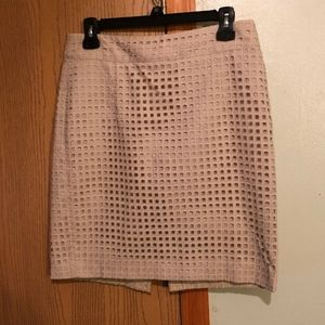 Banana Republic Size 6P Beige Knee-Length Skirt